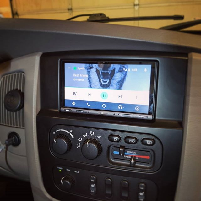 Another successful Ram conversion.  The replacement bezel for these 02-05 Rams sure looks good and the new replacement tailgate handle with built in camera is also a nice touch.  Everything looks stock just like it should. 👍👌 #streamlineaudio #sony #ramtrucknation #ramtrucks #applecarplay #androidauto #doubledinforthewin #touchscreensforeveryone