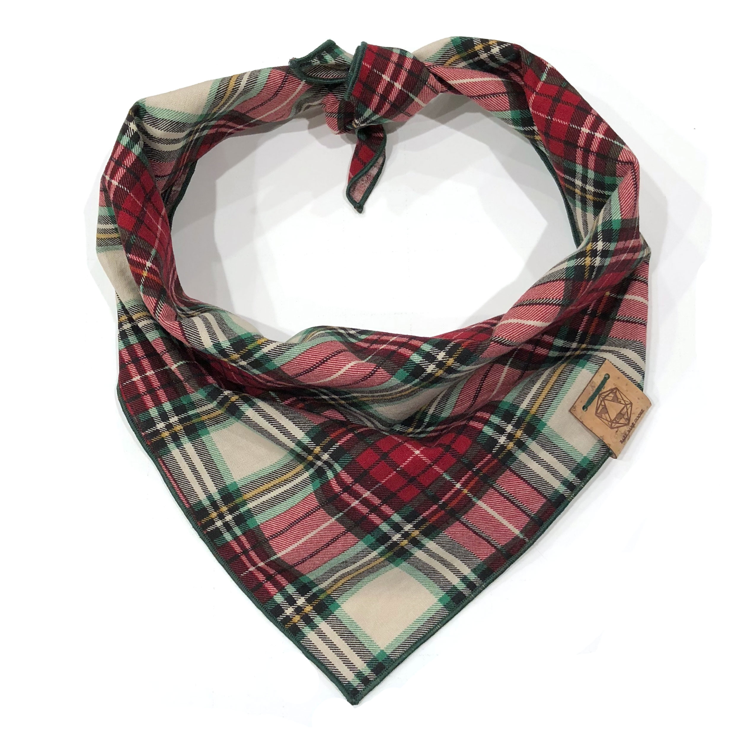 winter-wonderland-christmas-red-white-green-plaid-dog-bandana.jpg