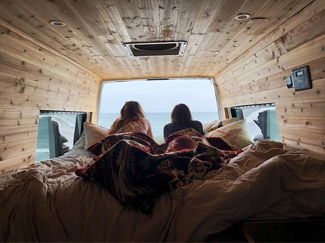 I got my first taste of #vanlife with my sweet friend @haley.hikes this weekend and now I am 💯 #vanifesting 😂🙏🏻.