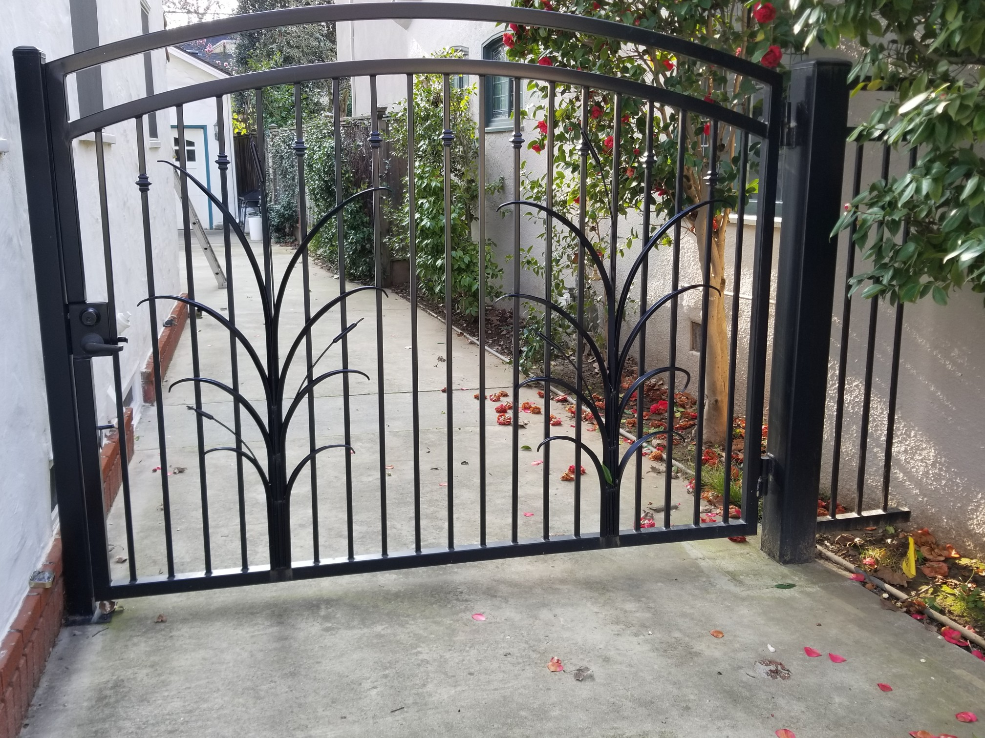 Metal Entry Gates with custom design