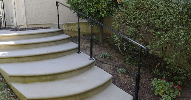 Here's what the railing we installed for this El Dorado Hills home looks like from the bottom of the steps. What can we say, we're really happy with how this railing turned out!⠀ ⠀ ⠀ ⠀ ⠀ ⠀ ⠀ #realestateeldoradohills #IrishIron #ironworking #ironworks #weldingiscool #eldoradohillshomes