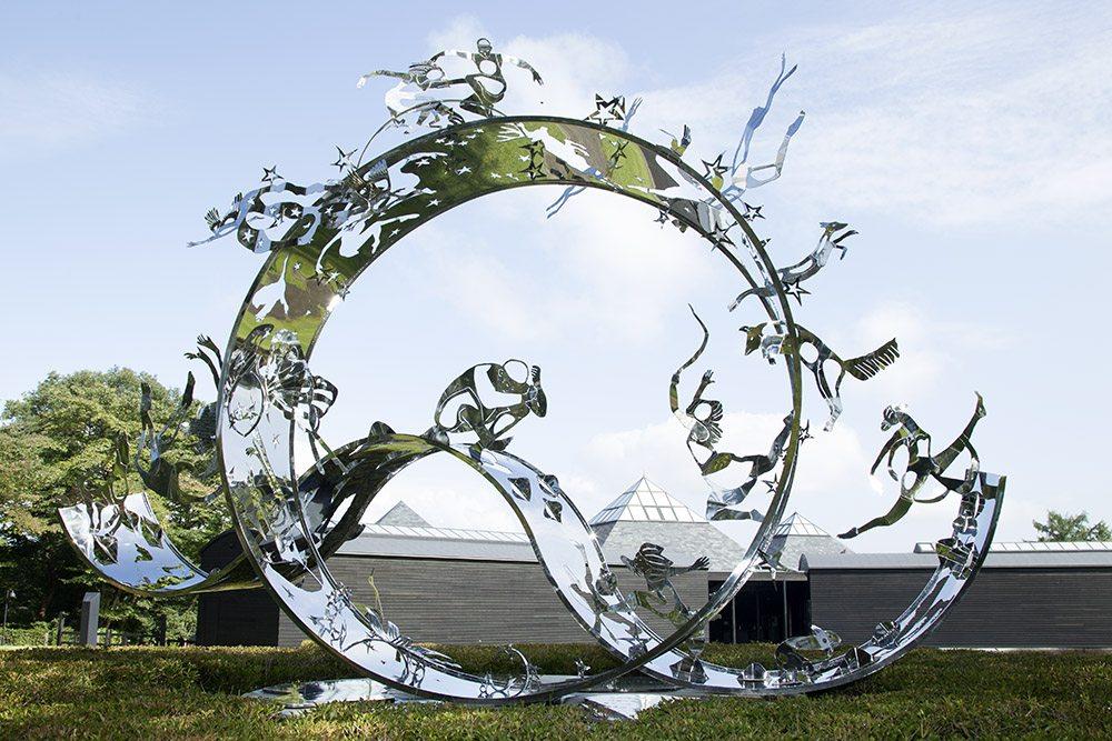 22.c-Ono-Dreams-2012.-Stainless-steel-4.1-x-5.2-x-4.6-m-x.jpg