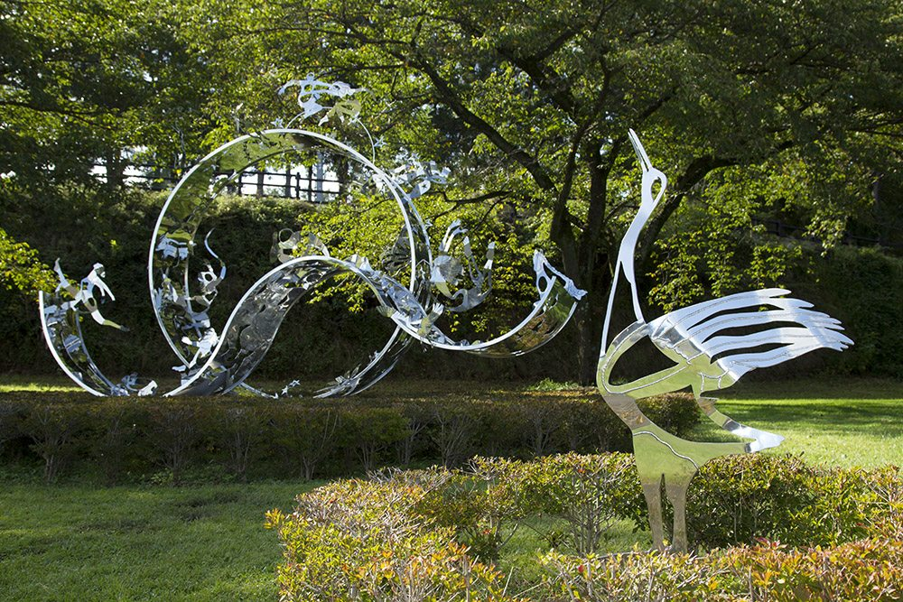 22.a-Ono-Dreams-2012.-Stainless-steel-4.1-x-5.2-x-4.6-m-x.jpg