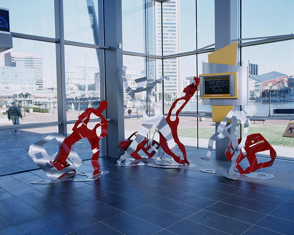 7.a-Ono-Good-News-Earth-is-Dancing-2006.-Painted-mild-steel-3-sculptures-213.4-x-228.6-x-182.9-cm.-146.3-x-182.9-x-91.4-cm.-and-140.2-x-140.2-x-91.4-cm-x.jpg