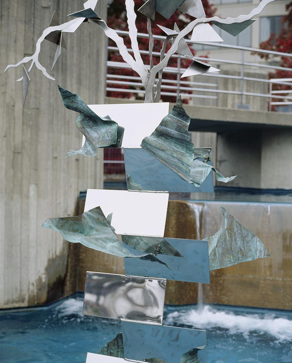 1.c-Ono-Joy-2006.-Steel-245.1-x-83.8-x-53.3-cm-x.jpg