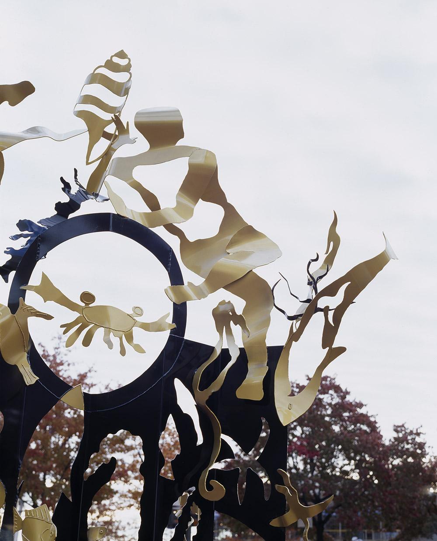 4.c-Ono-Dreams-2006.-Painted-mild-steel-2-sculptures-374.9-x-253-x-204.2-cm-and-500-x-274.3-x-243.8-cm-x.jpg