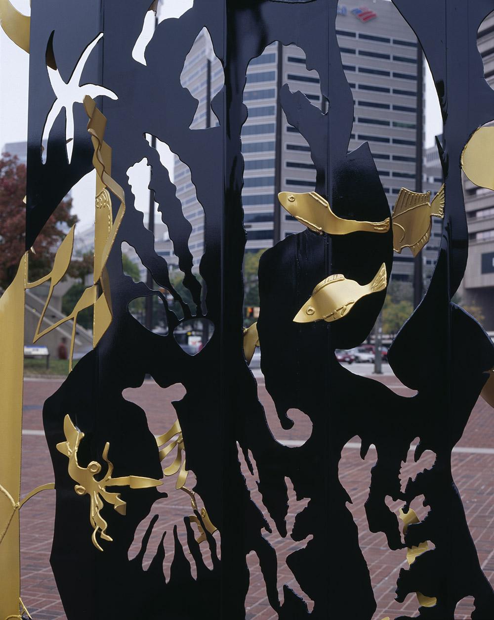 4.f-Ono-Dreams-2006.-Painted-mild-steel-2-sculptures-374.9-x-253-x-204.2-cm-and-500-x-274.3-x-243.8-cm-x.jpg