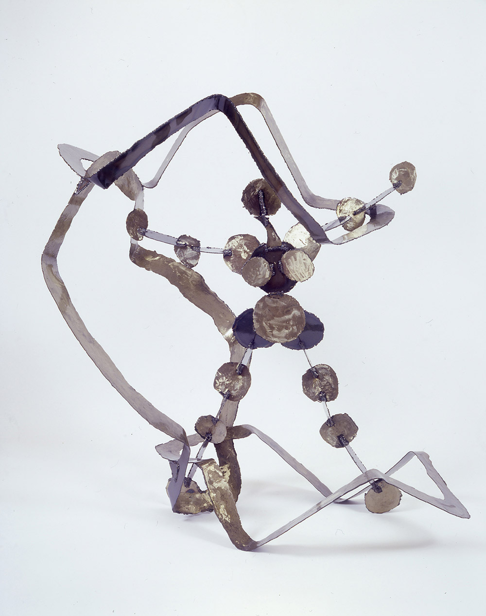 15.c-Ono-Struggle-1998.-Steel-146.3-x-149.4-x-100.6-cm-x.jpg