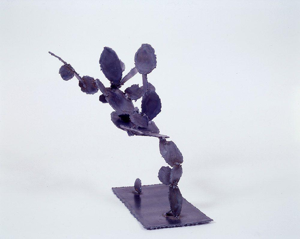 14.b-Ono-Flying-Cactus-1997.-Steel-53.3-x-61-x-25.4-cm-x.jpg