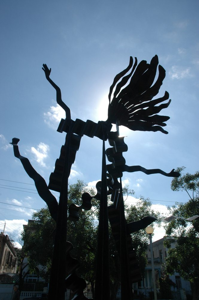 Ecstasy-of-Love-2003.-Mild-Steel-9.4-ft-x-4ft-x-9.11ft-or-1.27m-x-2.85m-x-3.3m.jpg