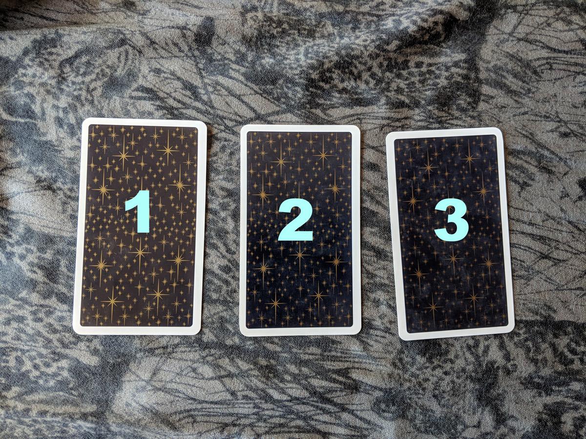 3-card-reading-past-present-future.jpg
