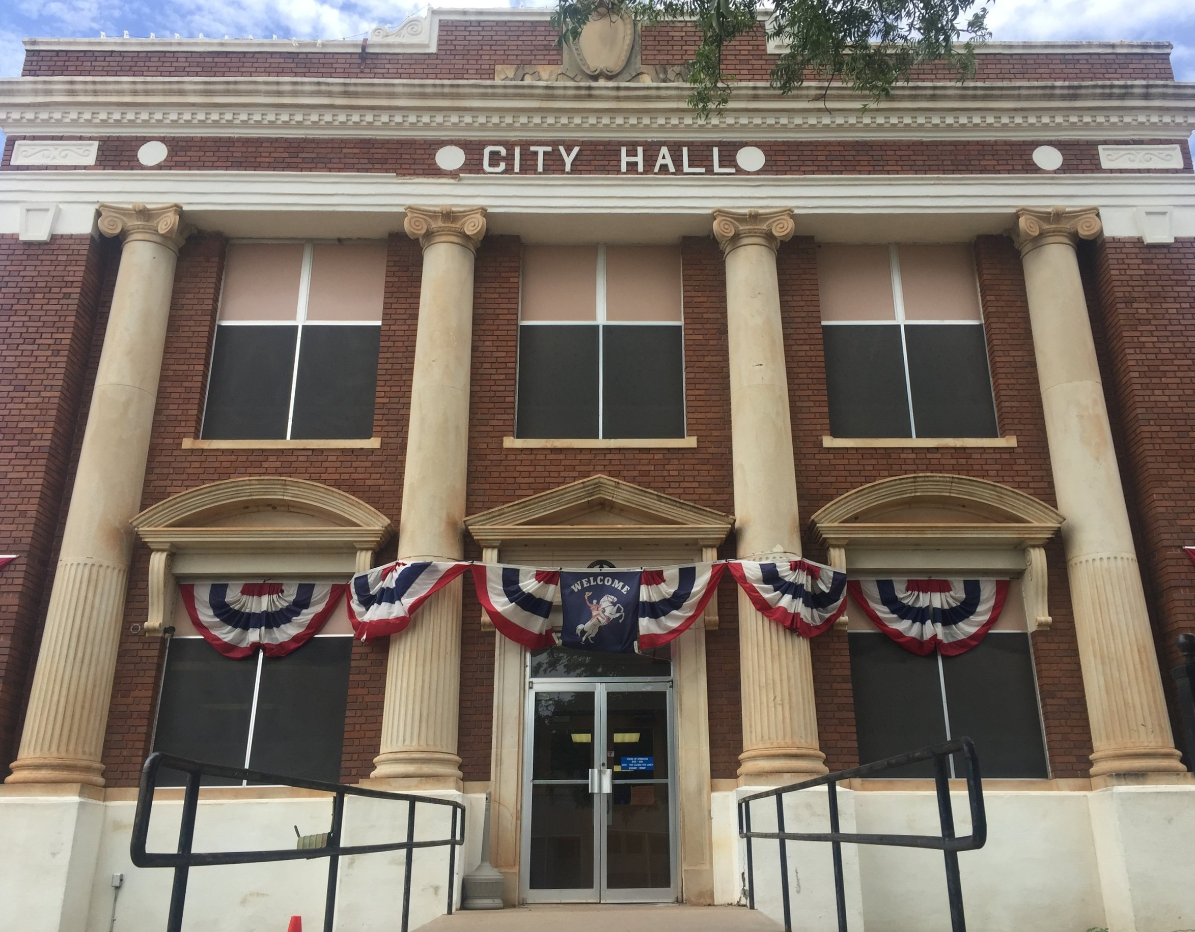 stamford texas city hall.jpg