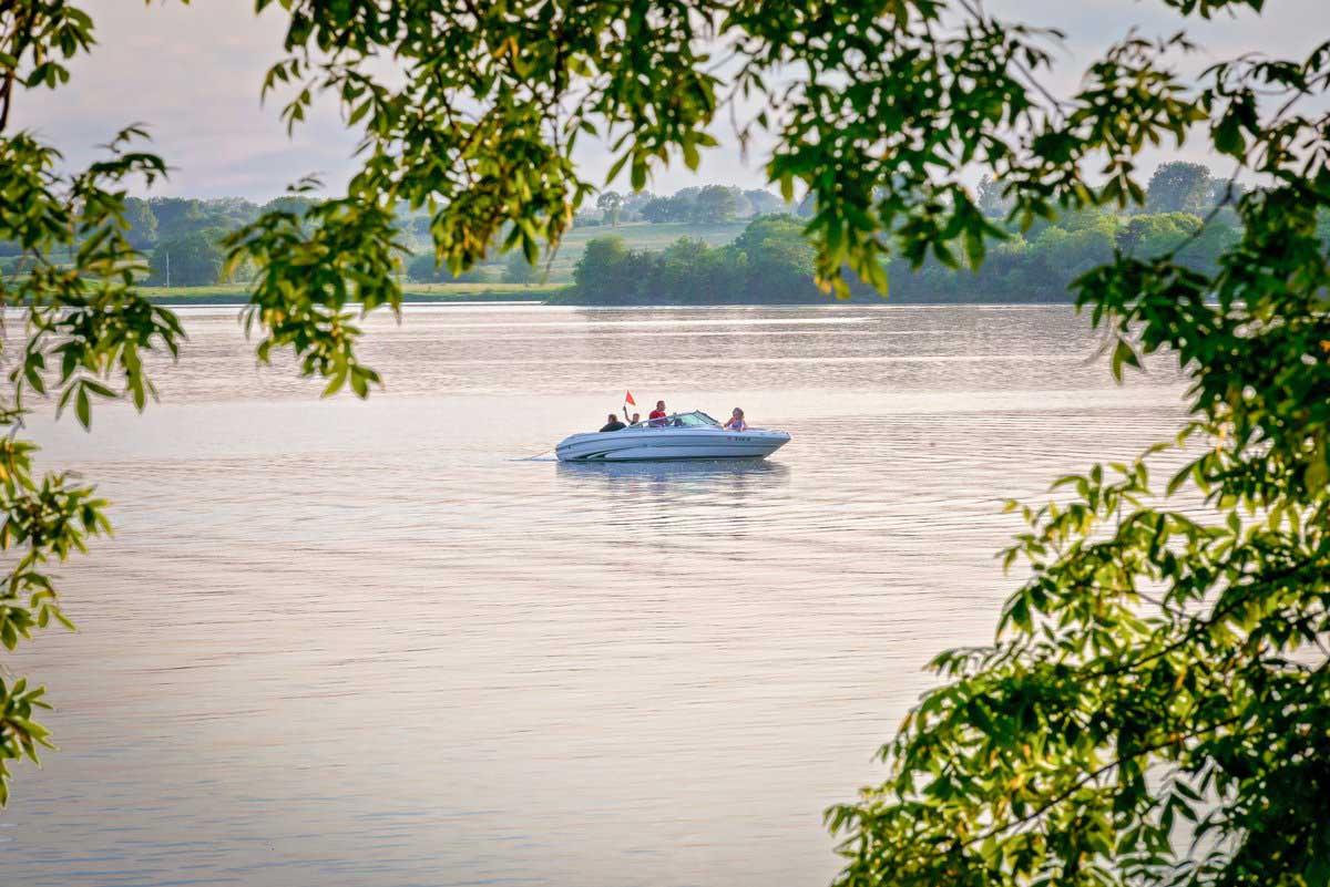 Lake Icaria 5.jpg