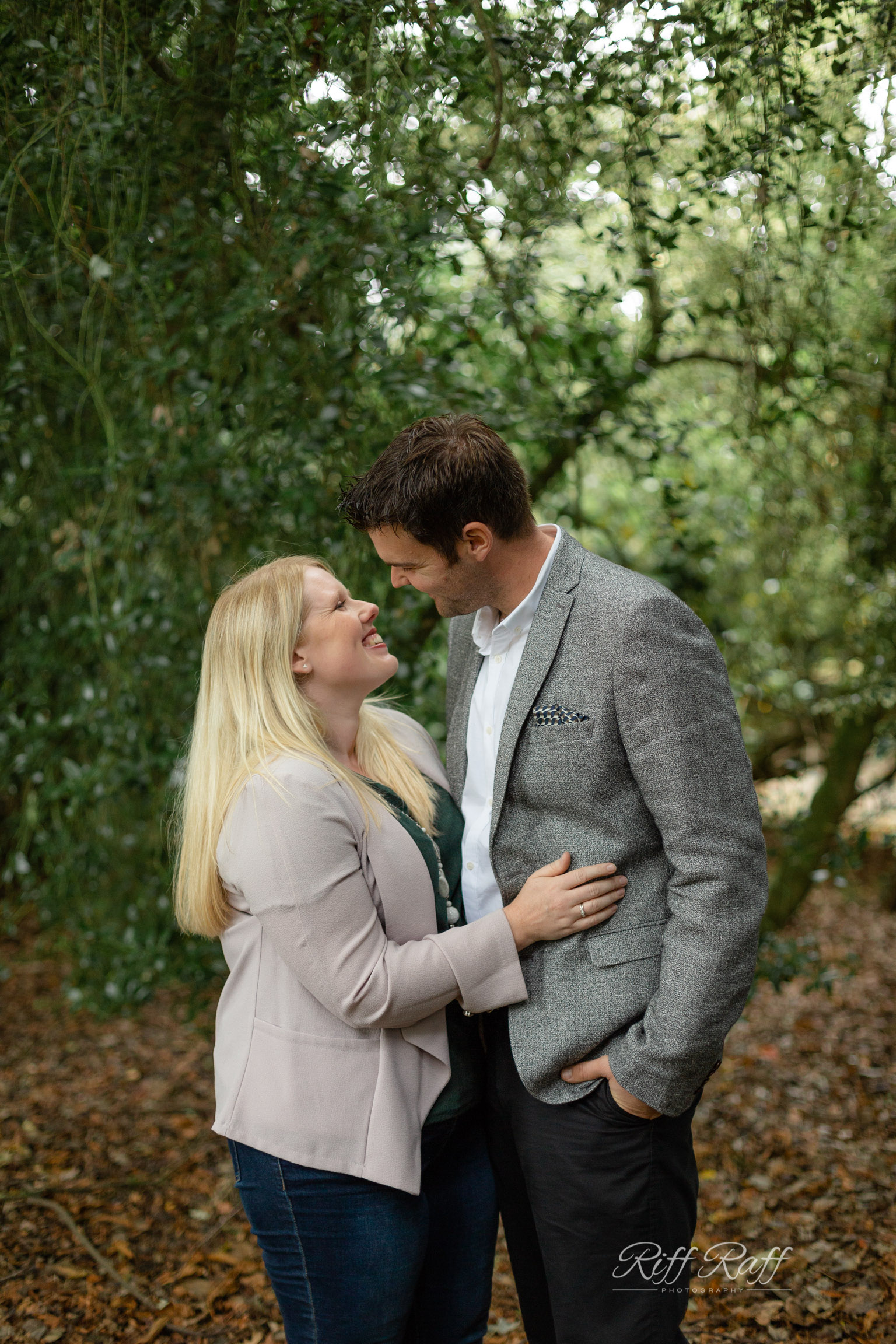 Fiona & Adam Engagement Shoot Blog-008.jpg