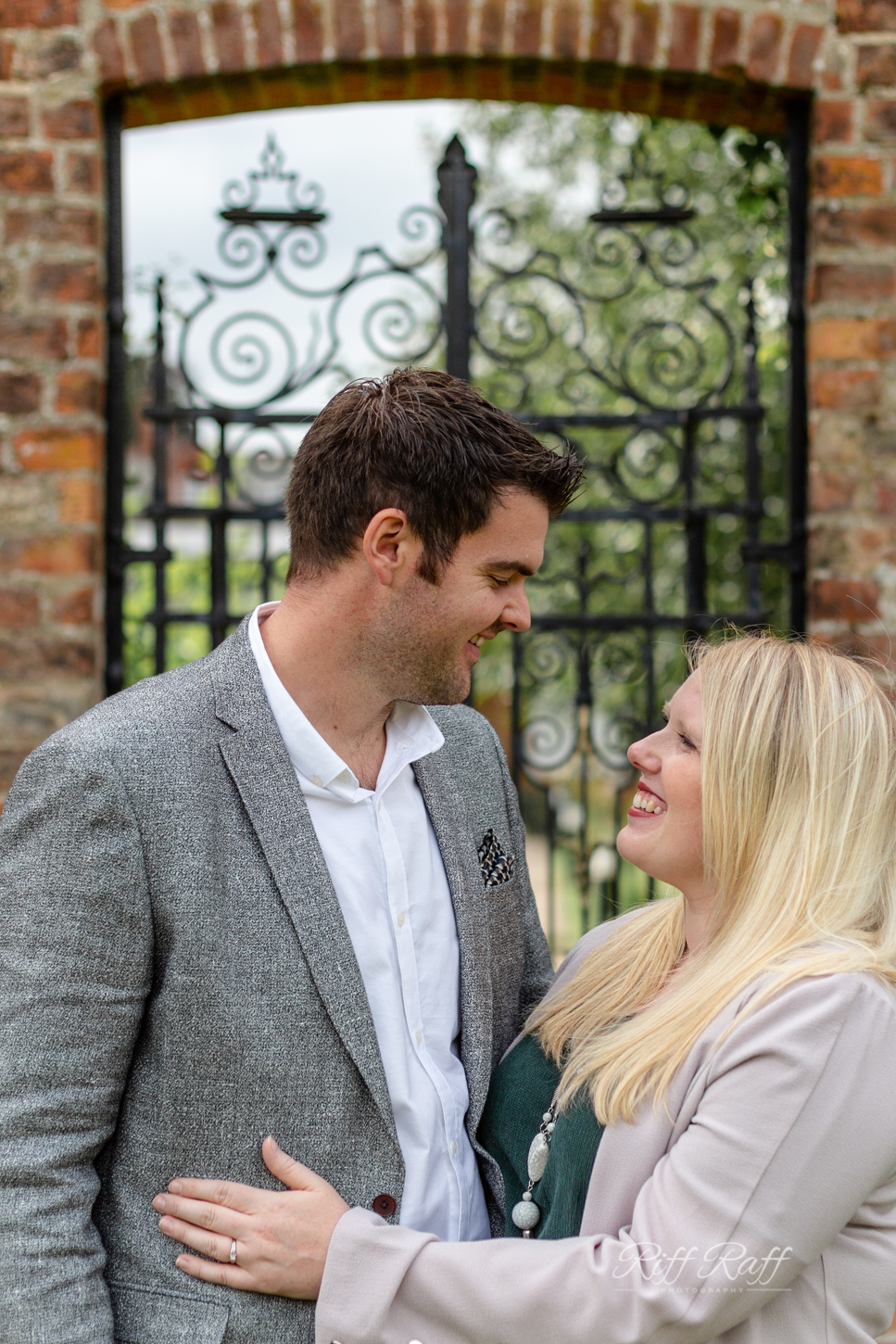 Fiona & Adam Engagement Shoot Blog-029.jpg