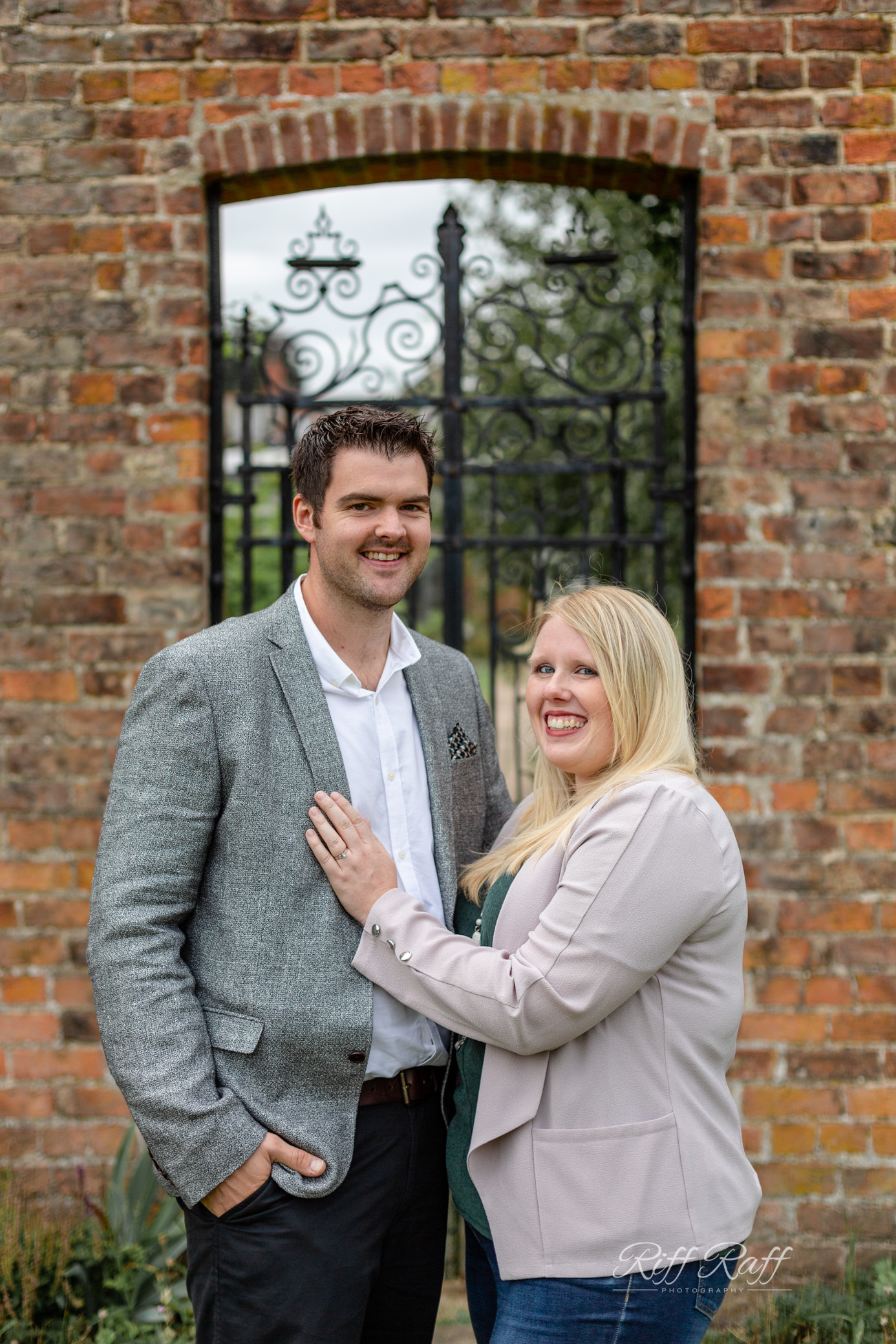 Fiona & Adam Engagement Shoot Blog-033.jpg