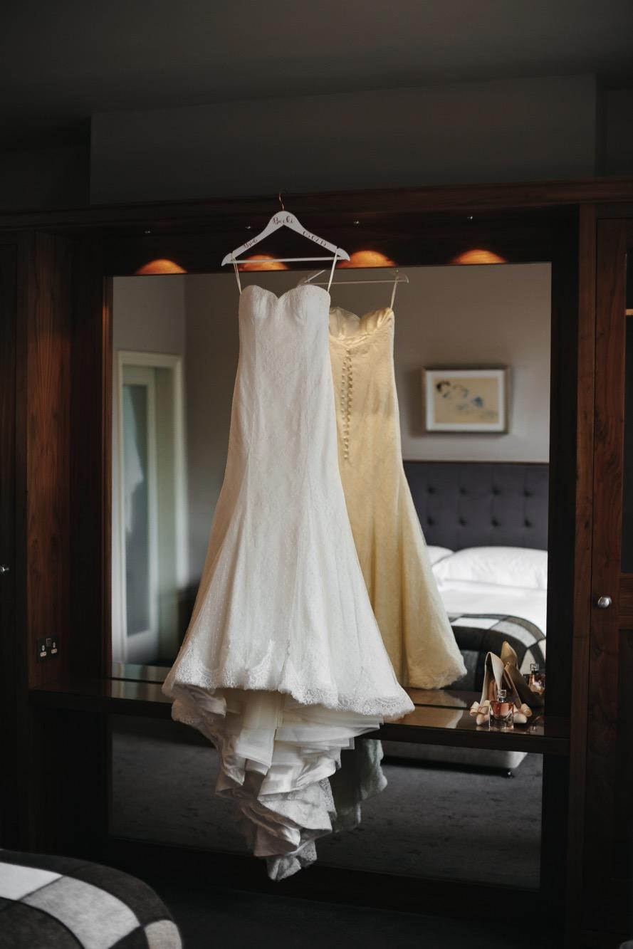 Becki & Alex Wedding Blog-017_889X1333.jpg