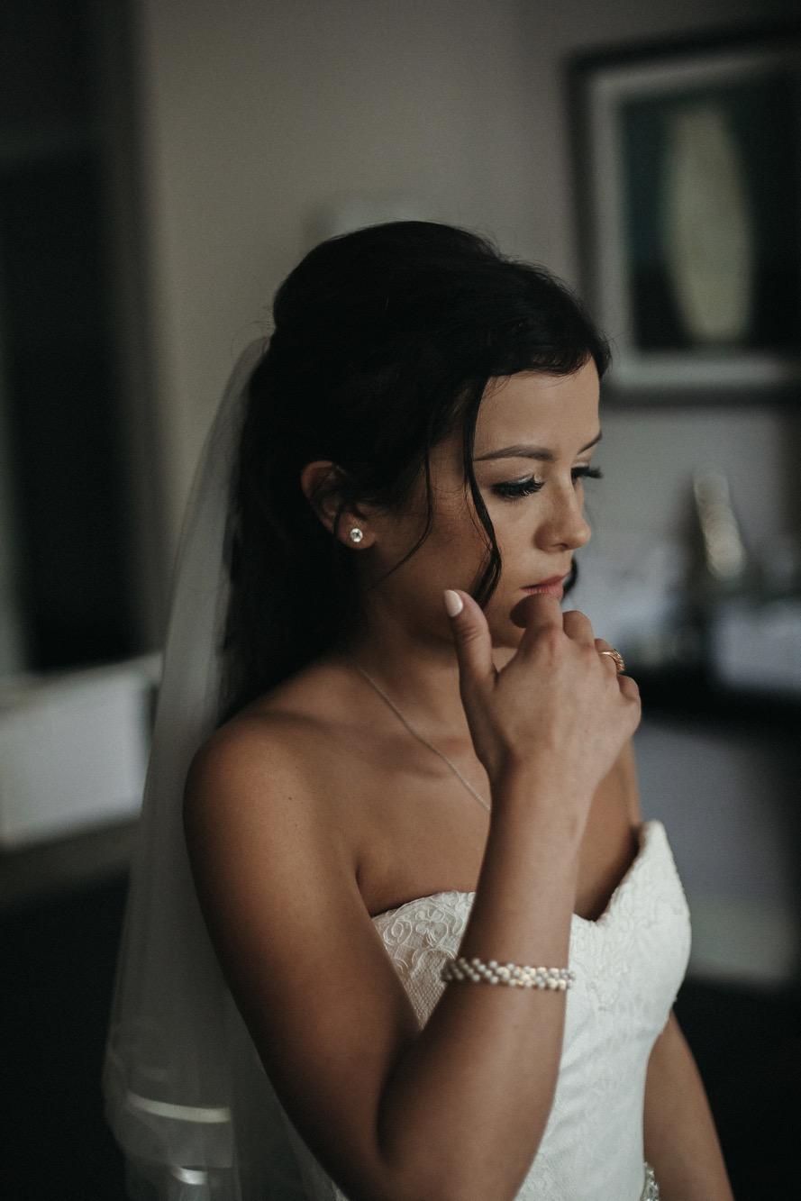 Becki & Alex Wedding Blog-043_889X1333.jpg