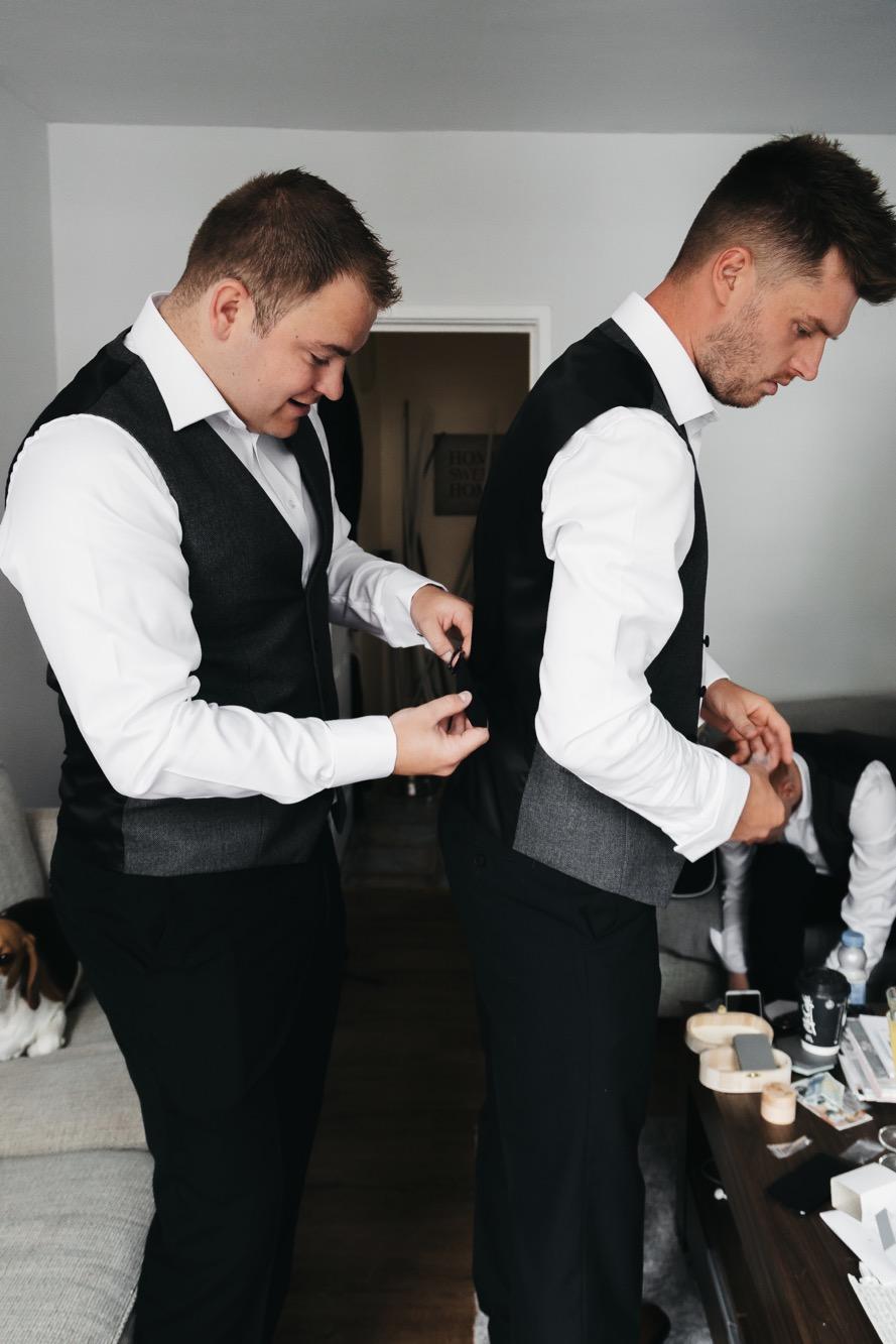 Becki & Alex Wedding Blog-059_889X1333.jpg