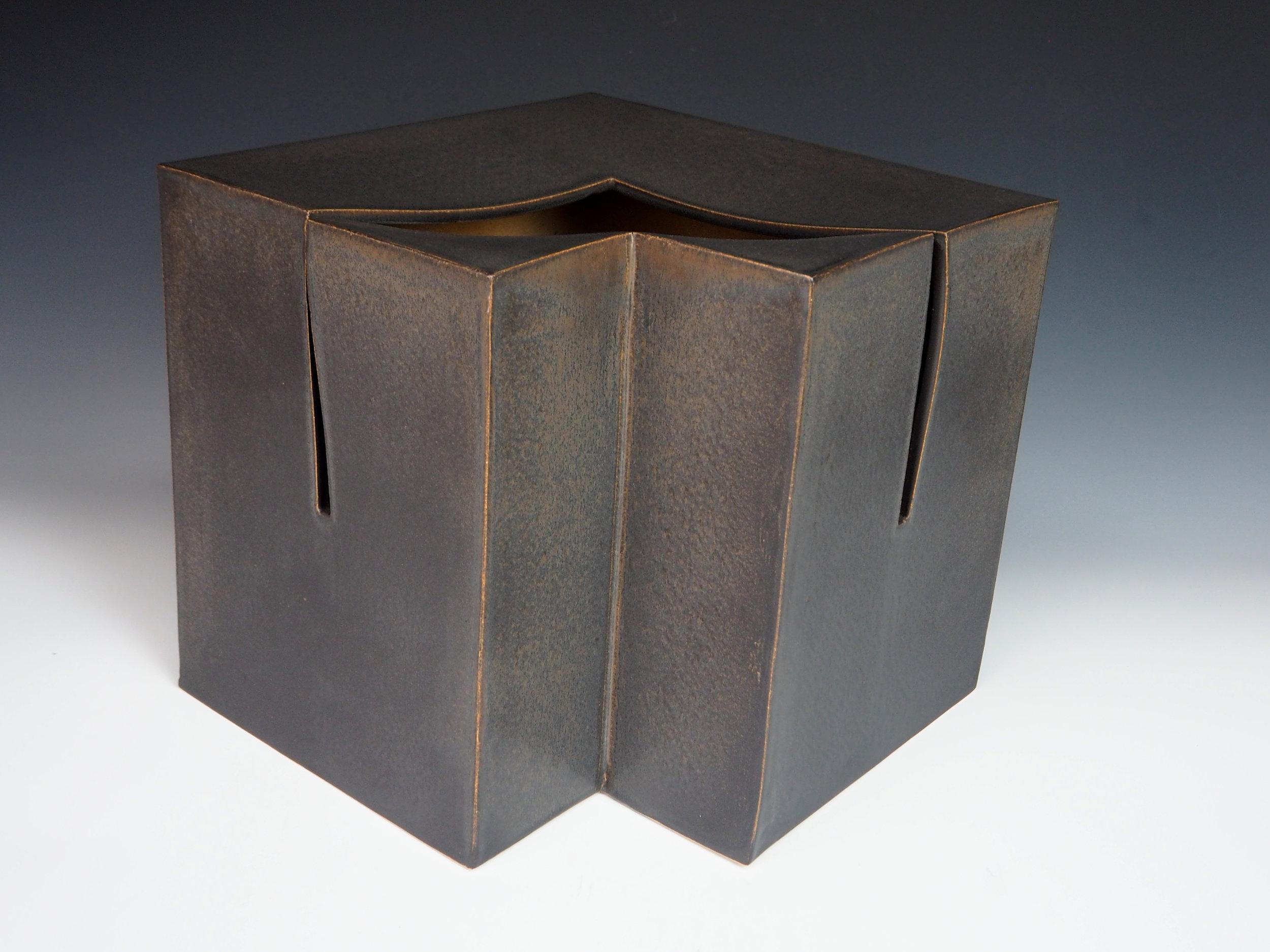 KIYOMIZU Rokubei VIII | Iron-glazed Pottery Sculpture cube