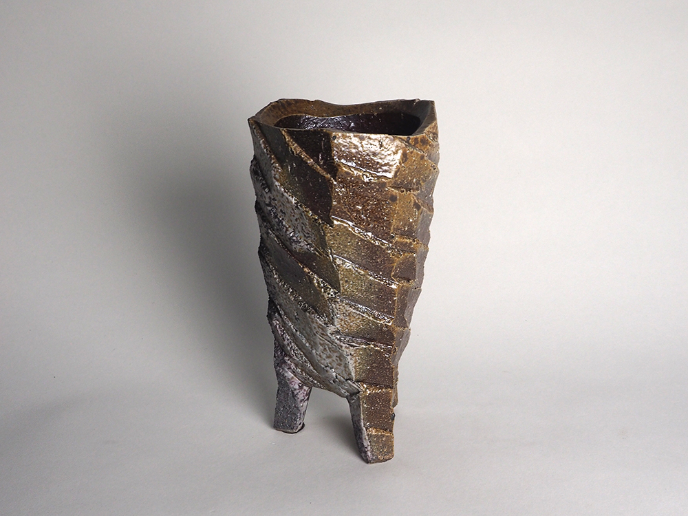 WAKIMOTO Hiroyuki Footed Vase2.jpg