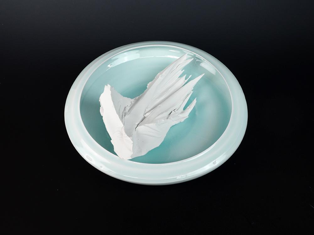 KATO Tsubusa Porcelain Sculpture %22Tokoro-Moon%22 No.9-8.jpg