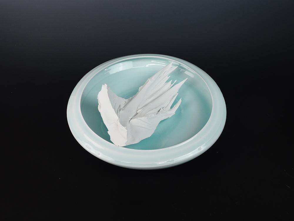 KATO Tsubusa Porcelain Sculpture %22Tokoro-Moon%22 No.9-9.jpg