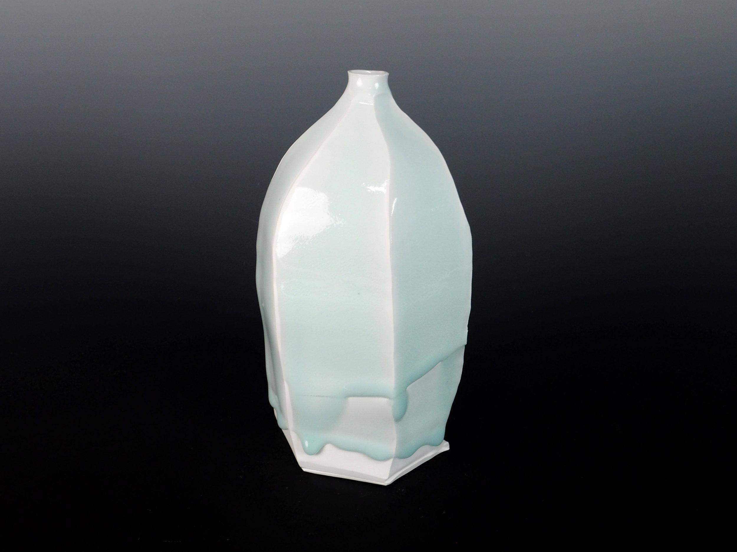KATO Tsubusa Vase No.6-8.jpg