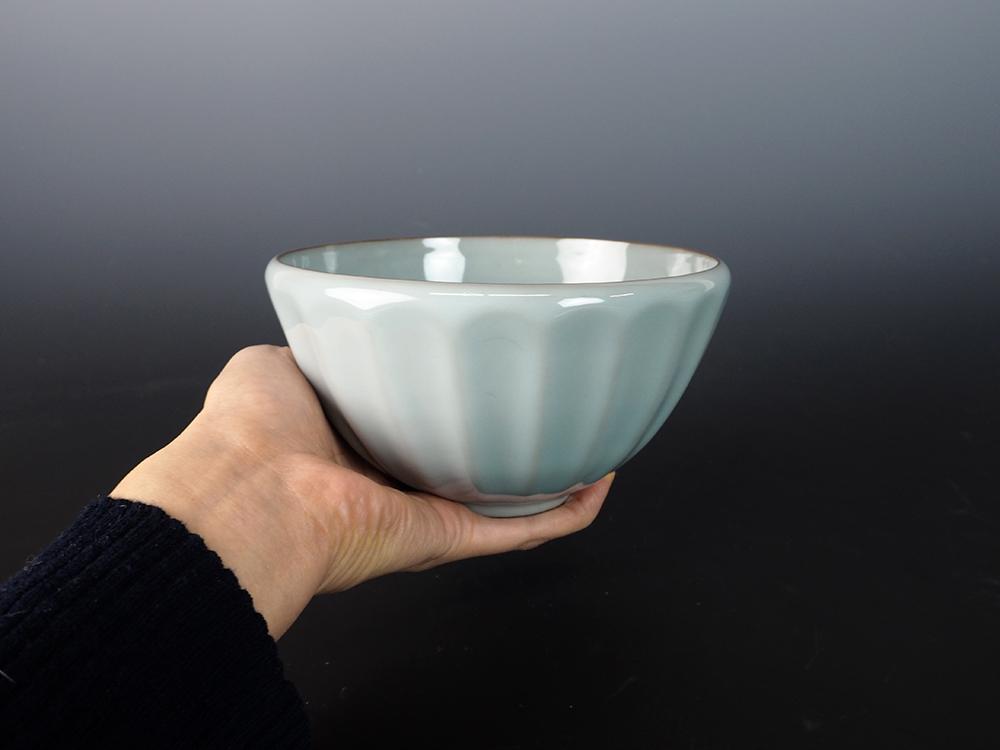 KAWASE Shinobu Celadon Tea Bowl-3.jpg