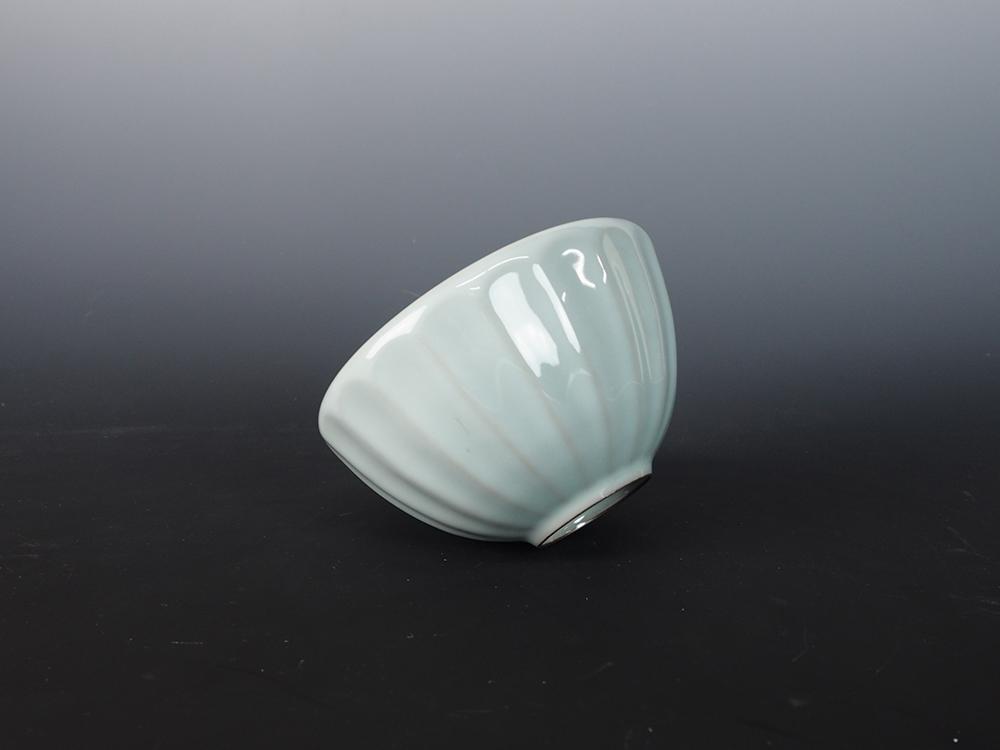 KAWASE Shinobu Celadon Tea Bowl-5.jpg
