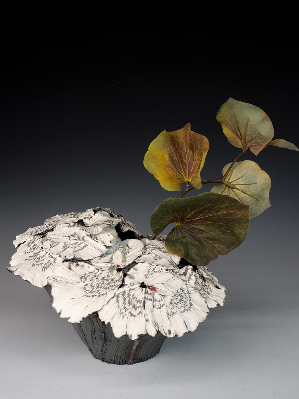 SHINGU Sayaka flower vase01.jpg