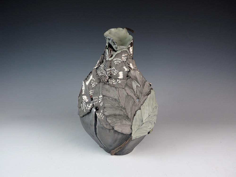 SHINGU Sayaka Vase-1.jpg