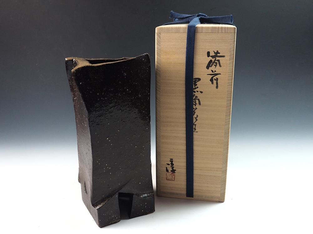 ISEZAKI Jun Black Bizen Vase-3.jpg