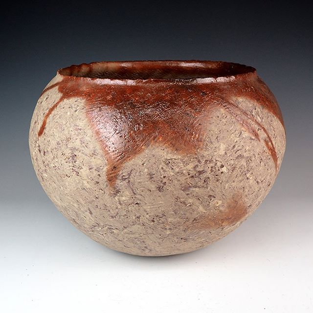 "YOKOYAMA Naoki 横山直樹 (1970- ) Bizen Jar 備前窯変大壺 H11"" x Dia15.3"", H28 x Dia39cm Stoneware With Signed Wood Box.  #japanesepottery; #japaneseceramic; #woodfired; #bizen city; #hidasuki; #kiln; #form; #undervalued"