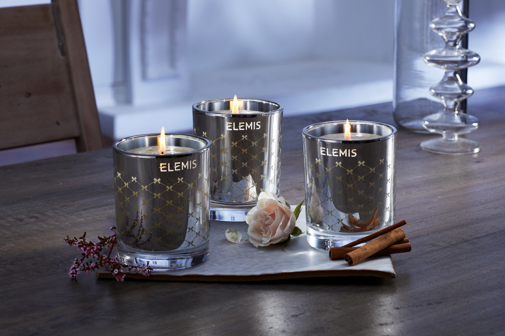 ELEMIS_HOLIDAY18_CANDLES_LIT.jpg