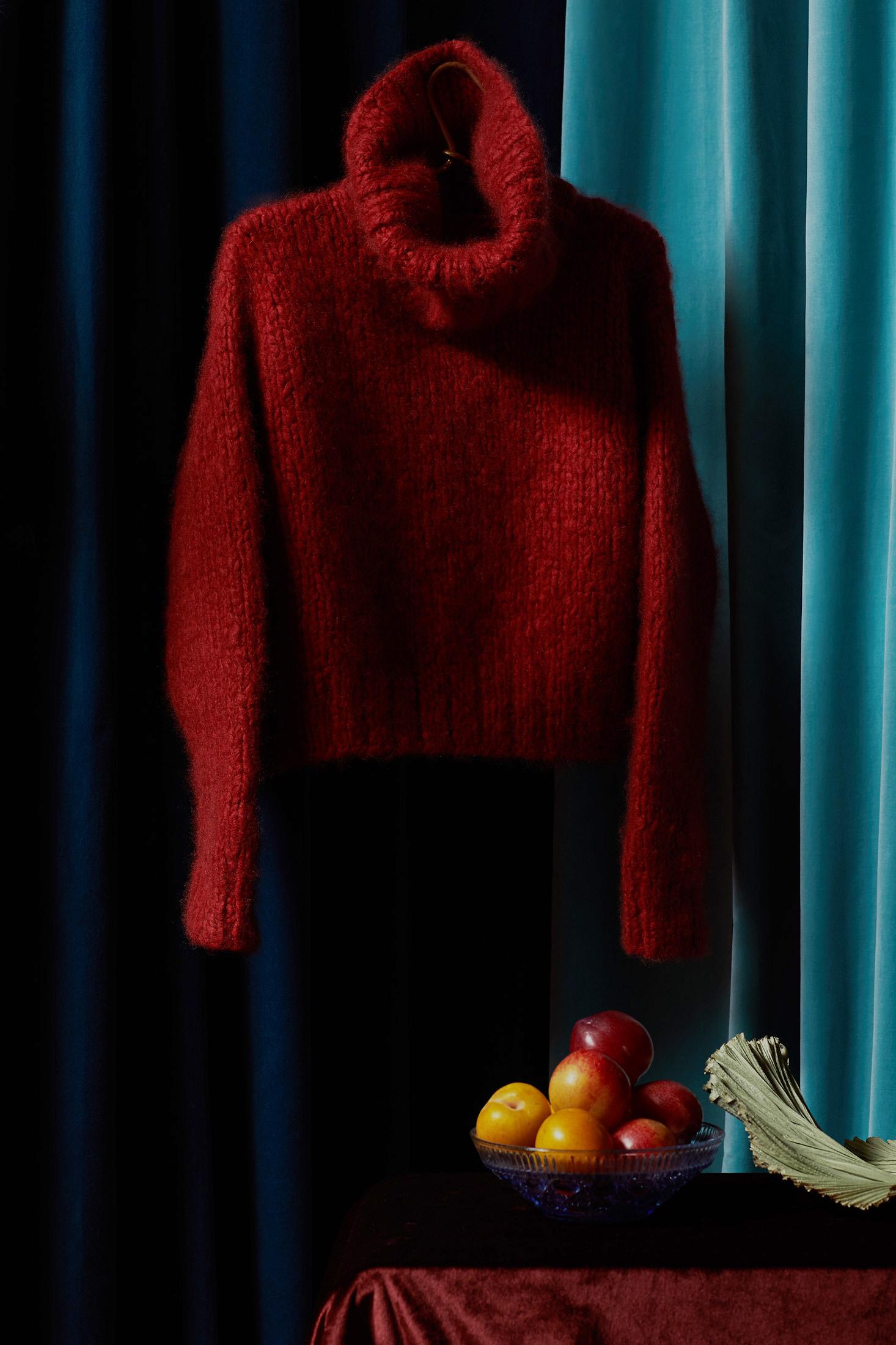 01_IAS_Red_Sweater_StillLife_033.jpg