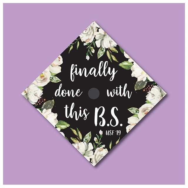 Sorry I've been a little MIA but it's grad cap season!!!!! 🎓Message me or text me (if you have my number) if you want a custom grad cap! I create them digitally and then all you have to do is go get them printed, cut it out and glue it on! Super easy😁 All grad cap designs are custom and are $30👩🏽‍🎓 Here are some that I've done🌸 #classof2019 #gradcap #graduationcap #gradcapseason #gradcapdesign #customgradcaps  #letteringcommunity #letteringco #letteringartist #letteringleague #letteringdaily #goodtype #typematters #typegang #womenofillustration #typetopia #strengthinletters #thedailytype #motivationnation #letteringleague #calligrafriends #typism #drunkonlettering #createdtoday #showusyourtype #typeeverything #communityovercompetition