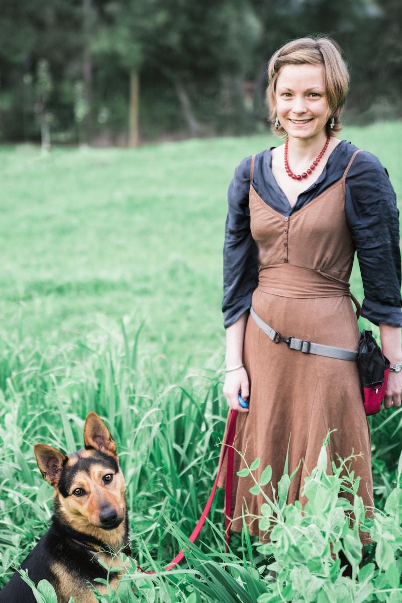 Imogen Poropat best dog trainer in Sebastopol that uses positive reinforcement.