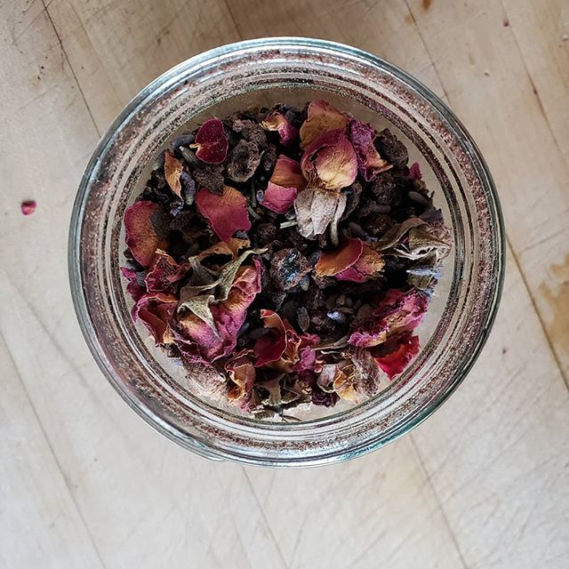 In many cultures the placenta is viewed as a twin, a guardian angel, or a spirit guide. These cultures honor the sacred work of the placenta by performing a burial.  I now perform placenta preparation for burial. Here is a placenta that I cremated and mixed with roses and lavender.  See my link in bio for more details.  #placenta #burial #doula #birth #postpartum #milwaukee #doulasofcolor #ancient #culture #spirit