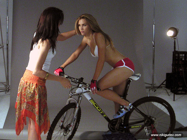 _nikigudex_off_bike_snap39.jpg
