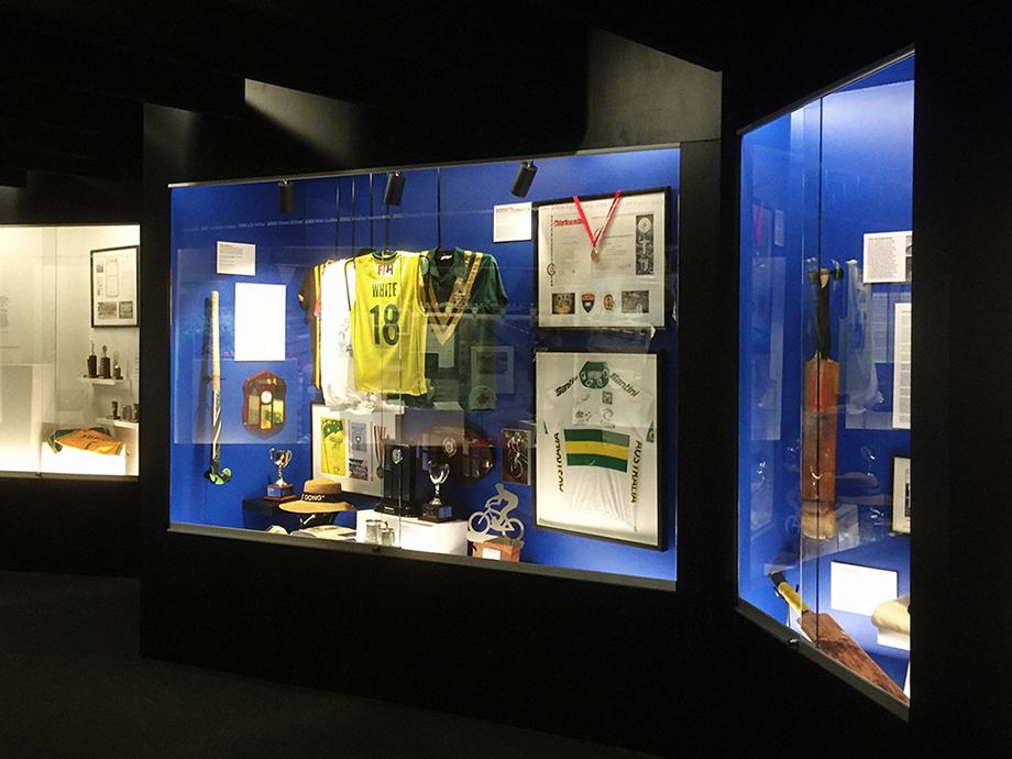 _nikigudex_2016_uow_sporting_hall_of_fame_02.jpg