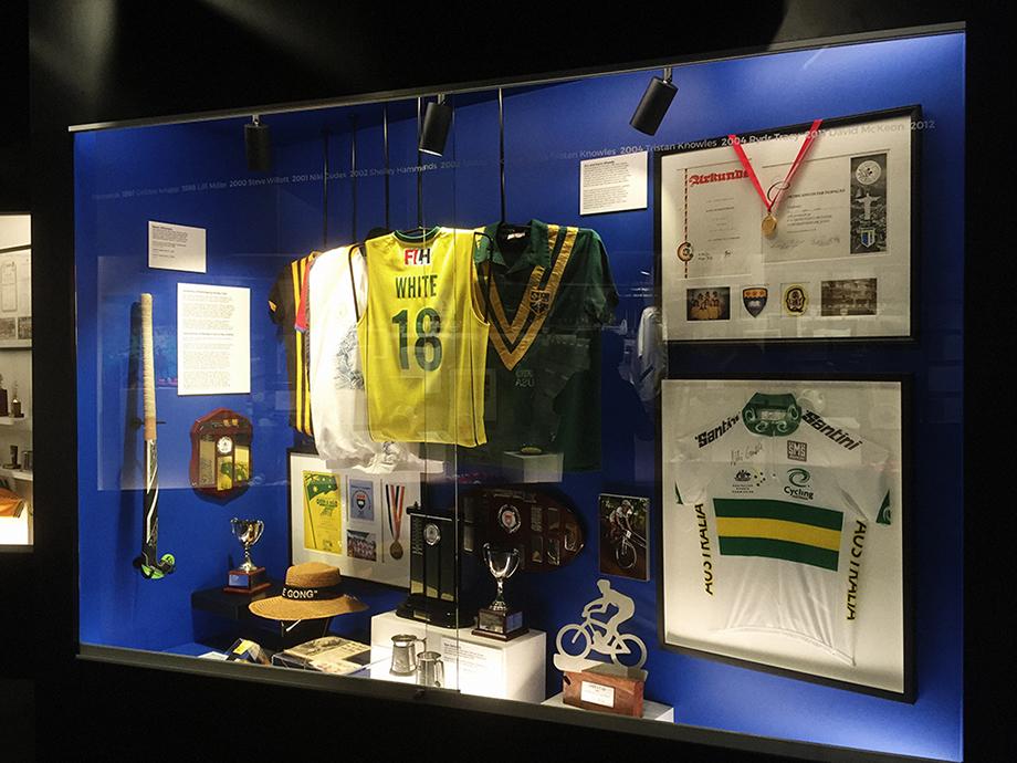 _nikigudex_2016_uow_sporting_hall_of_fame_03.jpg