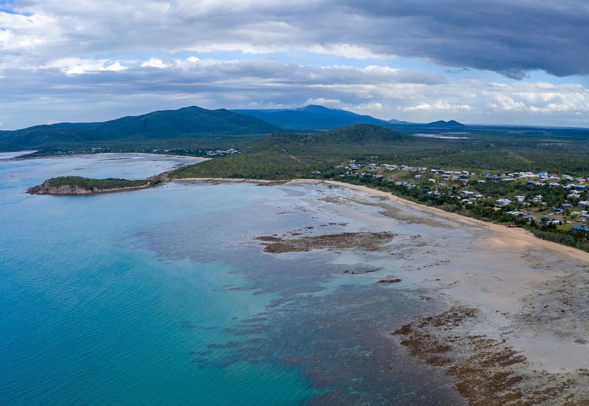 Fringing reefs in Hydeaway Bay