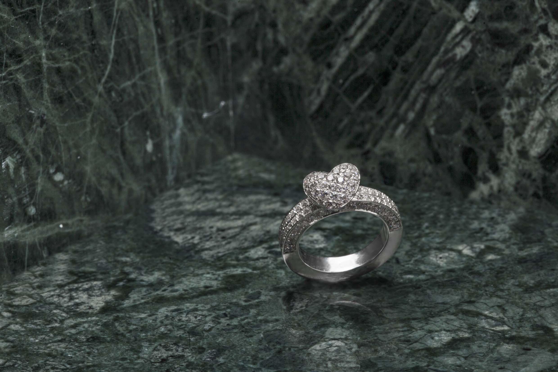 Diamond_heart_ring.jpg