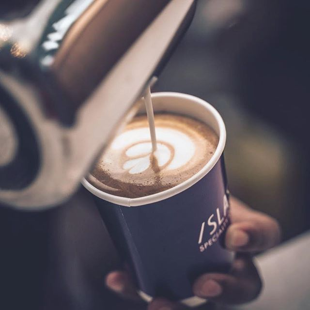 Delicious cup of coffee!! #coffee #espresso #coffeemoment #coffeetime #cappuccino #dailycortado #cozy #coffeeshopvibes #lattegram #instacoffee #morningcoffee #manmakecoffee #coffeeart #coffeelovers #coffeetime #coffeeculture #folklife #coffeeshots #startyourdayright #coffeeaddict #latte #latteart #archidaily  #mytinyatlas #archilovers #beautifulmatters