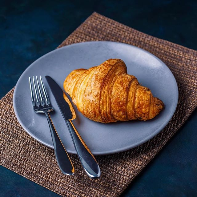 Croissant and coffee are a winning combo to make your morning perfect!! #espresso #coffeemoment #coffeetime #cappuccino #dailycortado #cozy #coffeeshopvibes #lattegram #instacoffee #morningcoffee #manmakecoffee #coffeeart #coffeelovers #coffeetime #coffeeculture #folklife #coffeeshots #startyourdayright #coffeeaddict #latte #latteart #archidaily  #mytinyatlas #archilovers #beautifulmatters