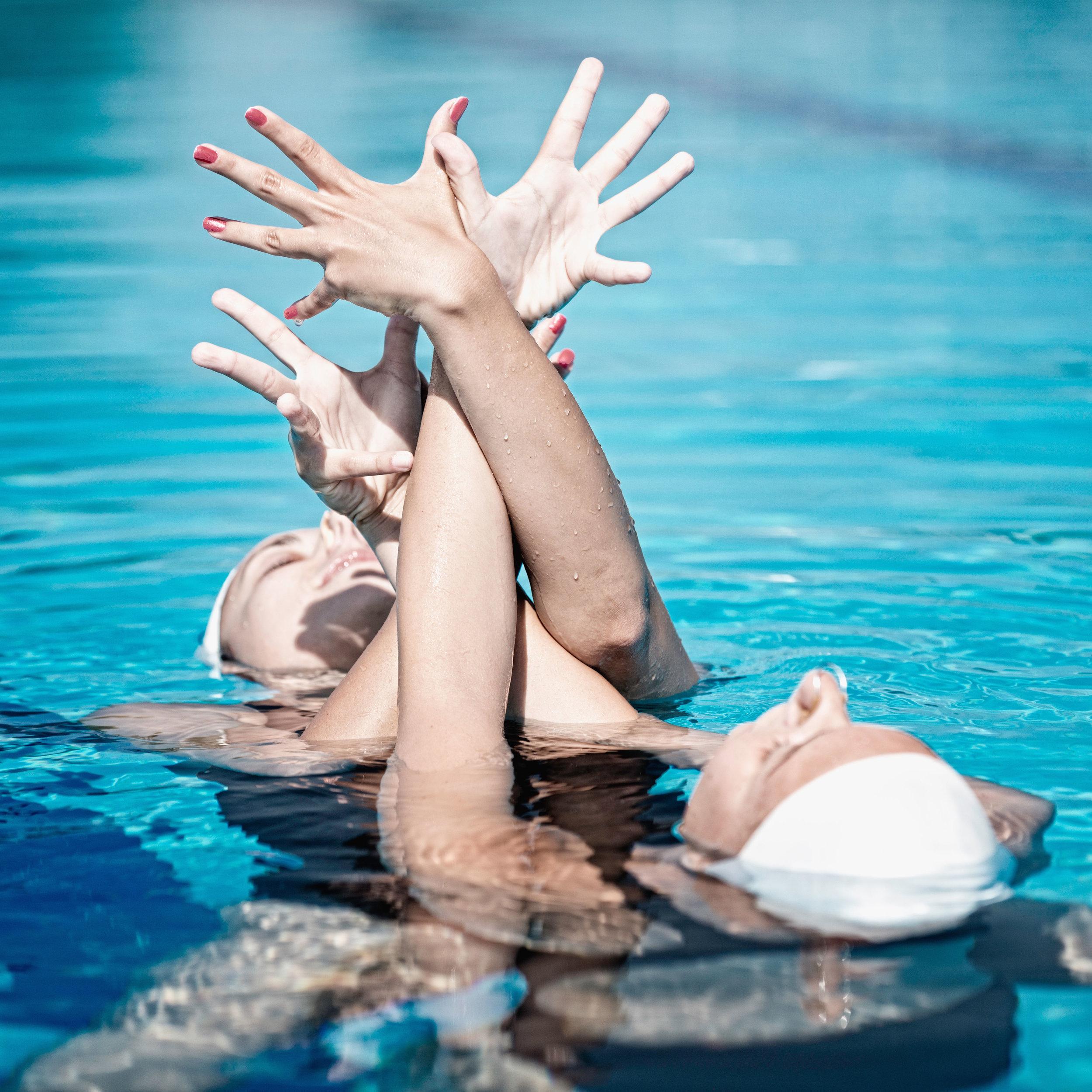 Synchronized swimming ladies