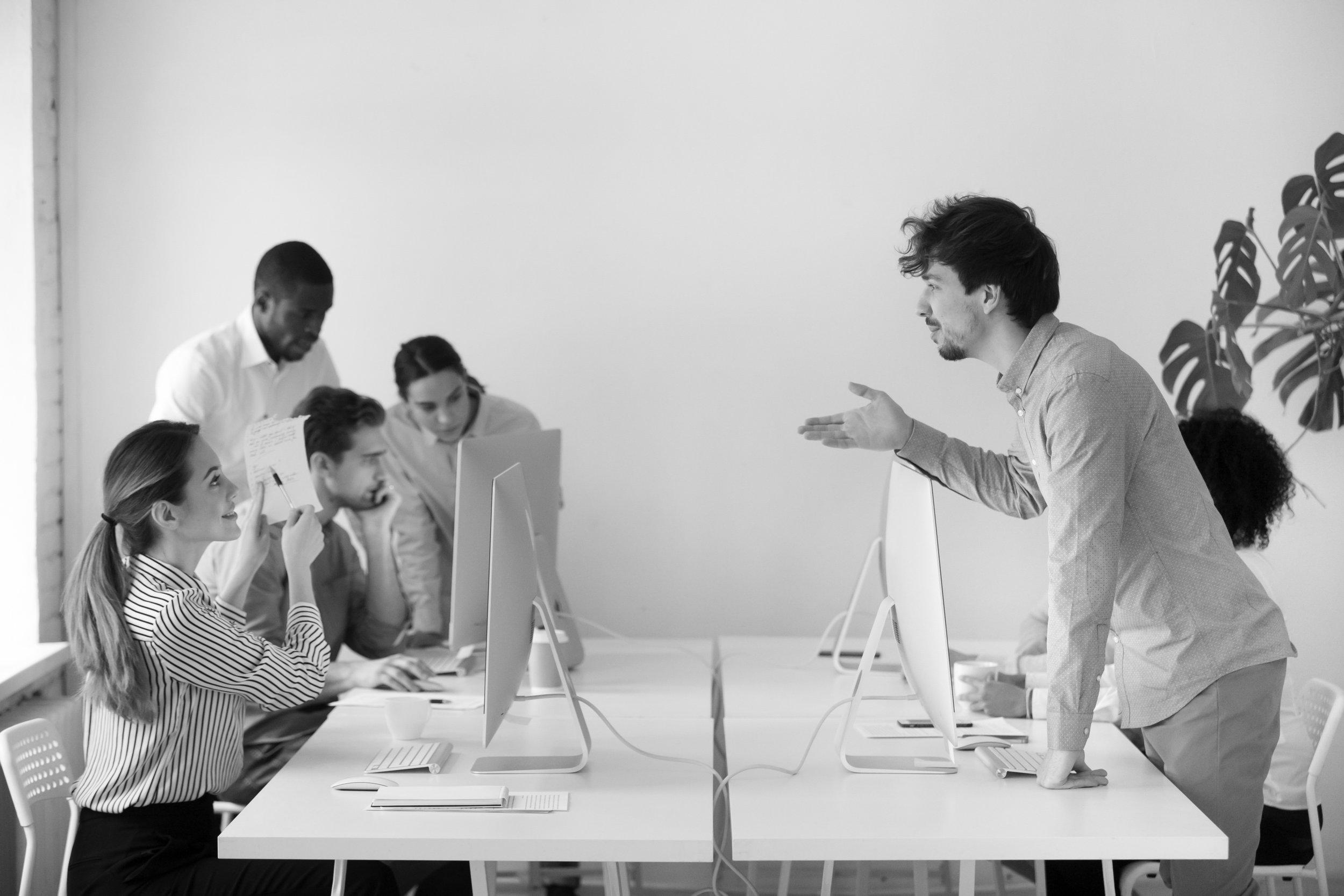 VirtuaControl se hodí i pro Vaši firmu - Chcete, aby administrátoři měli čas na důležitou práci a banality řešili na pár kliknutí? Těší Vás, když uživatelé dělají méně chyb a pracují plynuleji? A chcete znásobit výhody předchozí virtualizace infrastruktury? Pokud ano, ušetříte jak při nákupu aplikace, tak díky jejím funkcím.