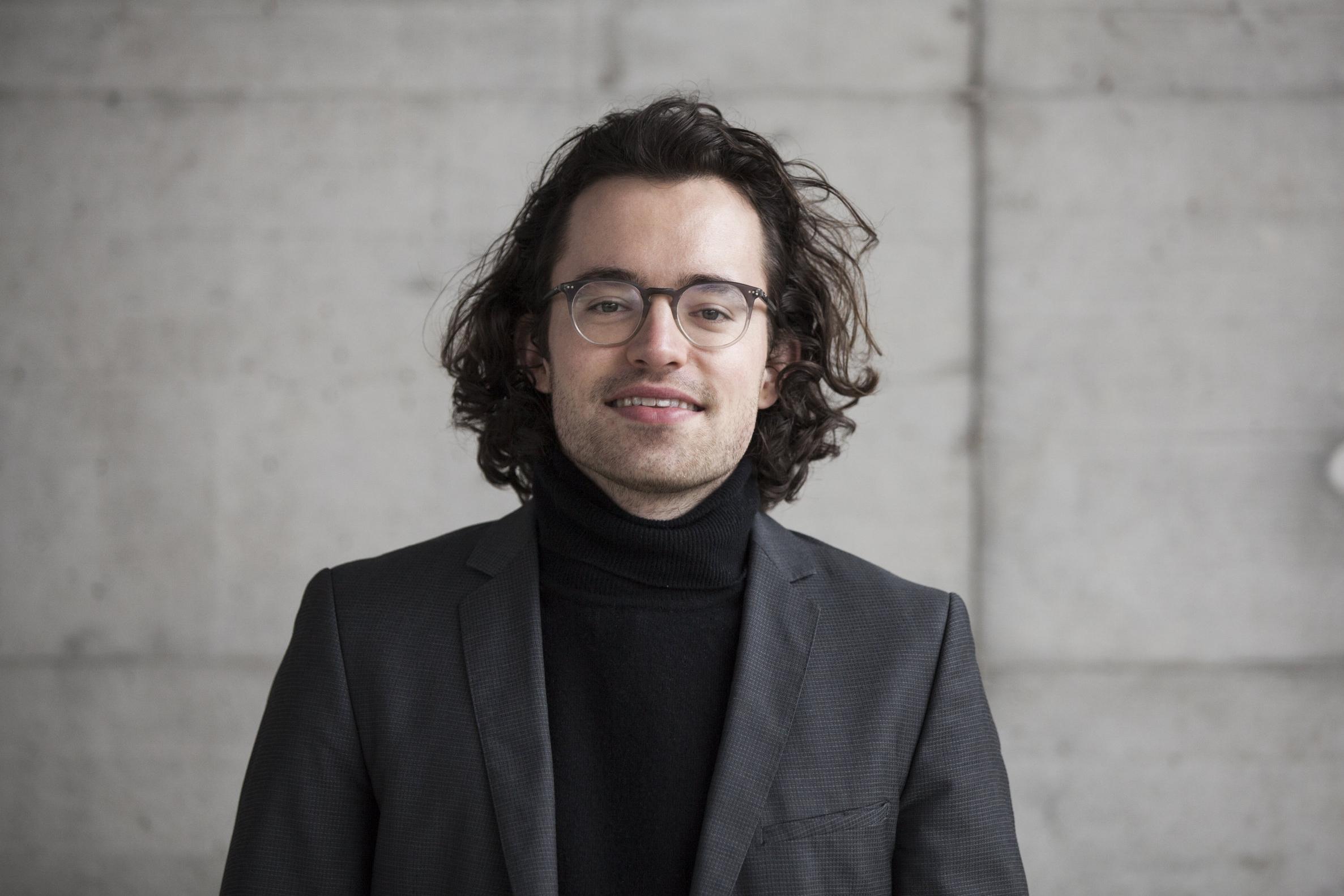 Simon Solms   MLaw, Legal Engineer   Legal Engineer bei Conventec. Vormals Gerichtsschreiberpraktikant am schweizerischen Bundesverwaltungsgericht und Substitut bei einer führenden Schweizer Wirtschaftskanzlei.   Mail   LinkedIn