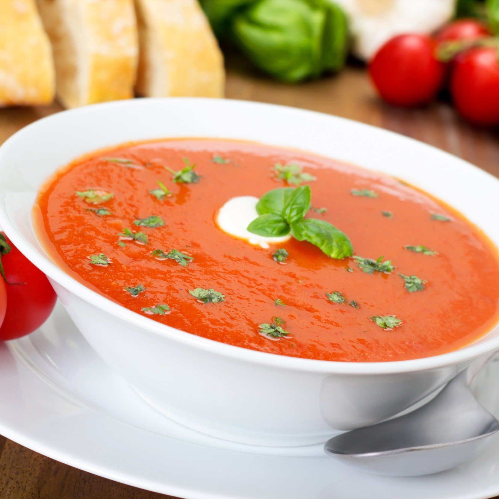 Tomato Soup with Basil and Garlic -
